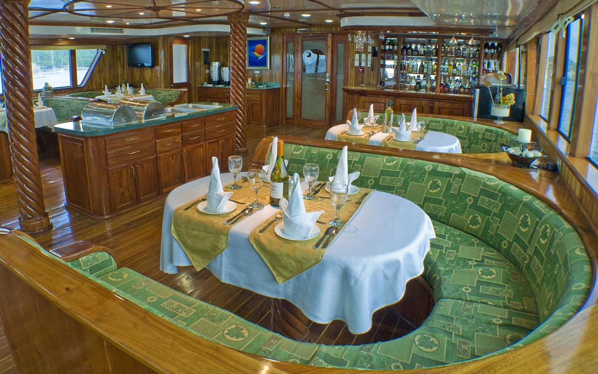 Which experience offers more luxury, a hotel or a cruise